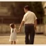 ΣΥΓΚΙΝΗΤΙΚΟ: Το βίντεο για τους μπαμπάδες που έκανε όλο τον κόσμο να δακρύσει!