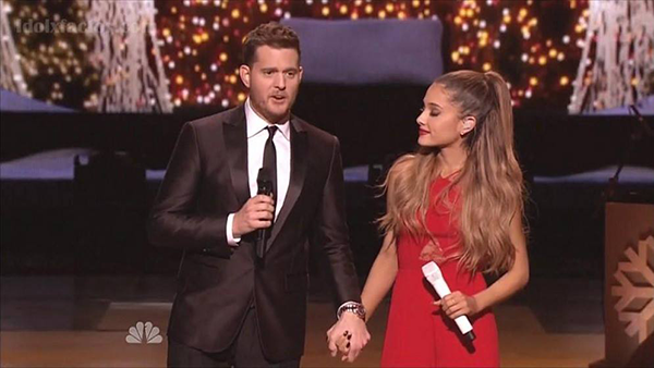 Michael-Buble-Ariana-Grande-Santa-Claus-Is-Coming-To-Town-icon2