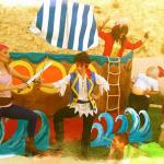 Κουκλοθέατρο Κάλια Χαραλάμπους, Ο Τζέικ & οι πειρατές της χώρας του Ποτέ!