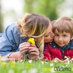 6 πράγματα που κάθε γιος χρειάζεται από τη μαμά του!