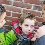 Τα παιδιά που περνούν λιγότερο χρόνο με τους μπαμπάδες τους είναι επιρρεπή στο bullying.