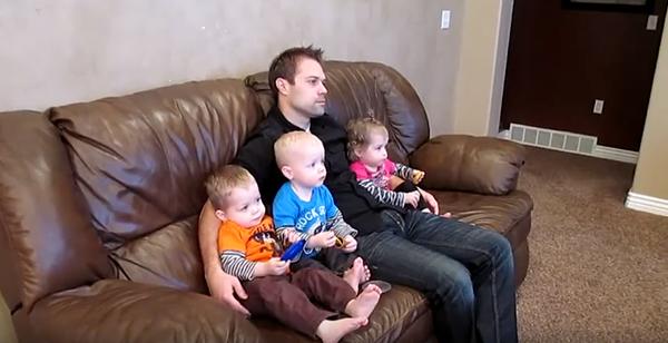 fun-family-showed-world-dad-parody-style-eimai-mpampas-kai-to-ksero-icon4