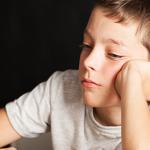 Πώς καταστρέφετε άθελά σας την αυτοπεποίθηση του παιδιού σας