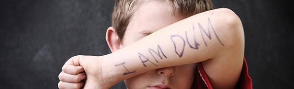 Προσέξτε τα λόγια που μπορεί να πληγώσουν τα συναισθήματα του παιδιού σας